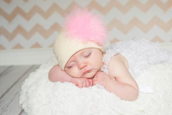Cream Cotton Hat with Candy Pink Large regular Marabou