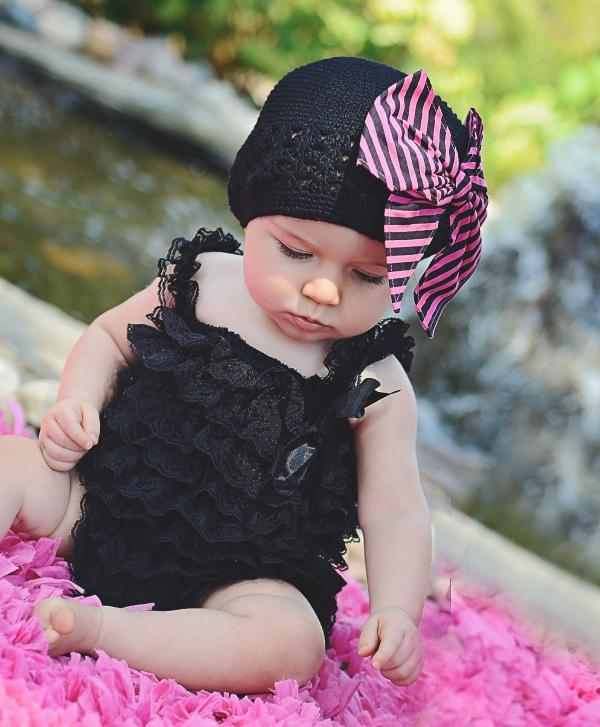 Black Crochet Hat with Candy Pink Stripe Bow-Rae-Mi