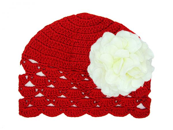 Red Scalloped Crochet Hat with White Large Geraniums