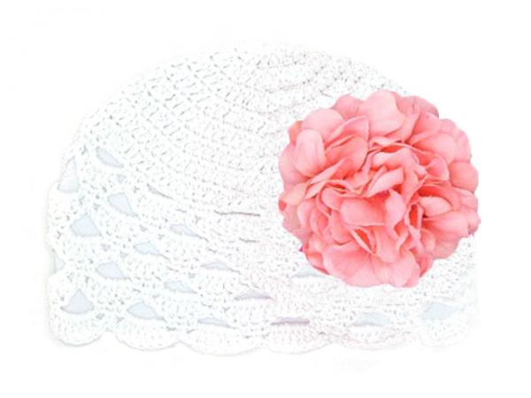 White Scalloped Crochet Hat with Candy Pink Large Geraniums