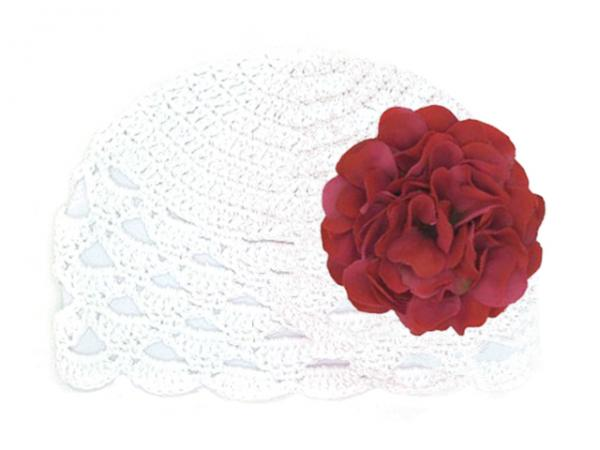 White Scalloped Crochet Hat with Raspberry Large Geraniums