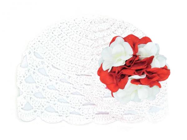 White Scalloped Crochet Hat with Red White Large Geraniums
