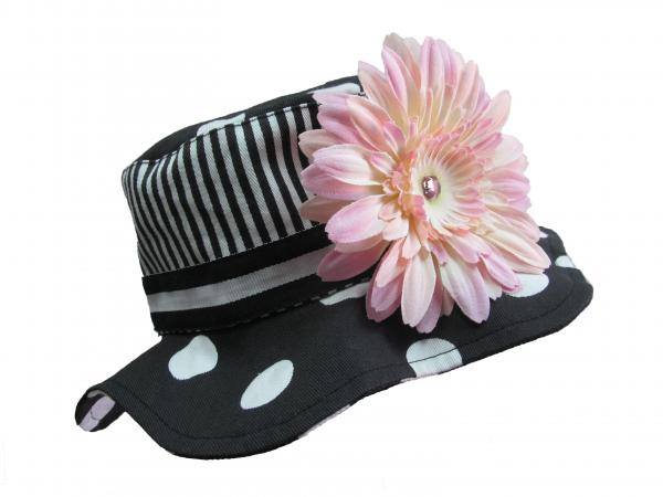 Black White Dot Sun Hat with Pale Pink Daisy