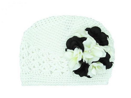 White Crochet Hat with Black White Large Geraniums