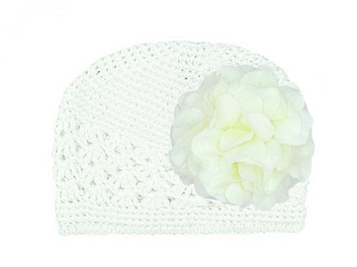 White Crochet Hat with White Large Geraniums