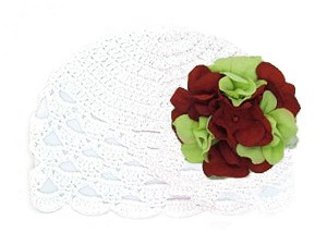 White Scalloped Crochet Hat with Red Green Large Geraniums